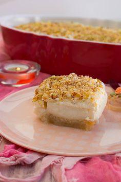 Esh El Saraya- Libanesisk brödpudding Zeina, Middle Eastern Recipes, Arabic Food, Baked Goods, Sweet Recipes, Cheesecake, Deserts, Brunch, Pudding