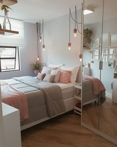 Room Ideas For Teen Girls – teenager zimmer mädchen - Hybrid Elektronike Teen Bedroom Designs, Cute Bedroom Ideas, Room Ideas Bedroom, Small Room Bedroom, Dorm Room, Bedroom Decor, Bedroom Lighting, Bed Room, Girls Bedroom