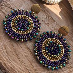 Funky Jewelry, Trendy Jewelry, Diy Jewelry, Beaded Jewelry, Jewelery, Jewelry Making, Beaded Earrings, Crochet Earrings, Map Fabric