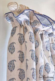 Jessamy Paisley from Ian Sanderson Fabrics on these beautiful curtains creates a beautiful bedroom ambience. Such a cosy bedroom. Curtain Pelmet, Bay Window Curtains, Lined Curtains, Curtains With Blinds, Curtain Fabric, Linen Fabric, Curtain Lining, Paisley Curtains, Paisley Fabric
