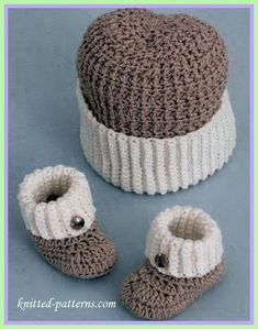 Fresh Crochet Baby Hats Baby Boy Booties and Hat Crochet Pattern Crochet Booties Pattern Crochet Baby Shoes, Crochet Baby Clothes, Crochet For Boys, Crochet Hats, Crocheted Baby Booties, Crochet Beanie, Baby Boy Booties, Baby Boy Hats, Baby Boots