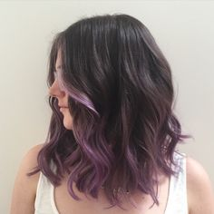 2019 die speziellsten Frisuren - Kurz Haar Frisuren model ombre dull hair # hair # hair and beauty # short # special Hair Color Purple, Cool Hair Color, Purple Bob, Purple Ombre Hair Short, Brown Hair With Purple Highlights, Purple Hair Streaks, Dyed Hair Purple, Subtle Purple Hair, Short Lavender Hair