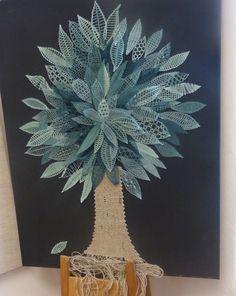 Lace Flowers, Crochet Flowers, Bobbin Lacemaking, Lace Art, Bobbin Lace Patterns, Beading Tutorials, Tatting, Free Pattern, Beads