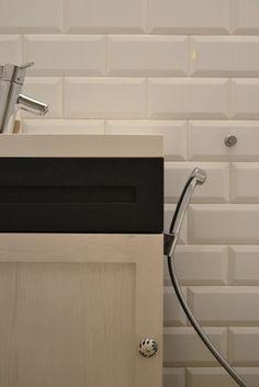 tiles-Vives Mugat Blanco; cupboard-my design; bidette Hansgrohe Talis S.