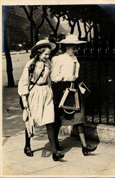 Cromwell Road, South Kensington, London (19 June 1906) Sambourne photo