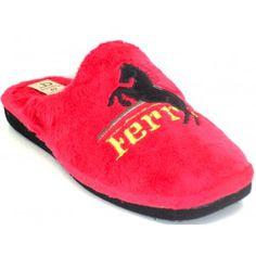 Zapatilla chinela de casa berebere fabricación española, logotipo de ferrari, numeración del 39-46.disponible en negro y en rojo.