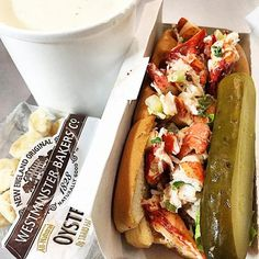 """""""Pro: the lobster in the lobster roll is fresh & you can tell. Con: the place is always packed, eating comfortable won't be an option. You can get it in a lunch box that's also good!"""" -Miguel Robledo"""