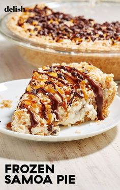 Frozen Samoa Pie Is Even Better Than The CookieDelish Frozen Desserts, Just Desserts, Dessert Recipes, Frosting Recipes, Dessert Bars, Flourless Chocolate Cakes, Chewy Chocolate Chip Cookies, Chocolate Chips, Homemade Donuts