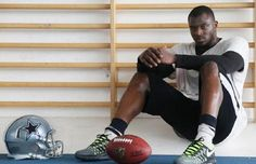 """Dallas Cowboys sign London warehouse worker Efe Obada to play in NFL  The Dallas Cowboys are """"America's team"""" but they've gone international in search of talent.  http://www.latimes.com/sports/sportsnow/la-sp-sn-dallas-cowboys-sign-london-warehouse-worker-efe-obada-20150402-story.html"""