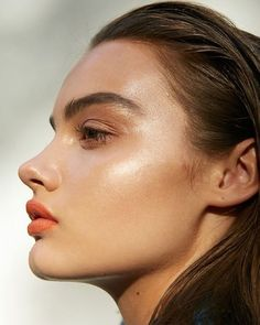 Summer glow   #skinspiration What's your favorite product to highlight with? by meltcosmetics Highlighter For Face, Glossier Highlighter, Applying Highlighter, Shimmer Bronzer, Highlighter And Bronzer, Glossier Lipstick, Glossier Lip Gloss, Concealer, Orange Lipstick Makeup