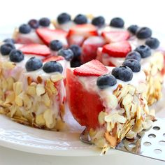 #HEALTHY #yum Although it looks like it's loaded with calories, this tart is made from watermelon slices, low-fat vanilla yogurt, and berries.