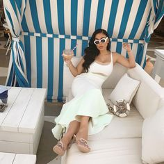 """Huda Kattan on Instagram: """"It's officially summer 😭😭 where's the BEST summer holiday spot?! I have no plans yet!"""" Huda Kattan, Ladies Who Lunch, Dubai Fashion, Afro Hairstyles, Outfit Goals, Huda Beauty, Kylie Jenner, Vogue, Stylish"""