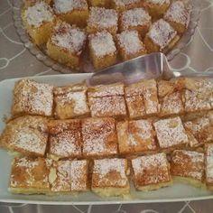 Pite s vrlo lijepim aromatičnim kremom ! ~ Za kuhanje i RECEPTI Greek Sweets, Greek Desserts, Greek Recipes, Desert Recipes, Easy Desserts, Sweet Buns, Sweet Pie, Sweets Recipes, Cooking Recipes