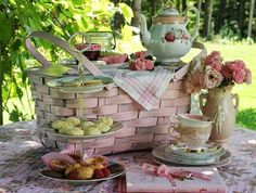 Pretty Picnic Fare ! Like the idea of the basket ... carry everything in it and then use it for the display!!