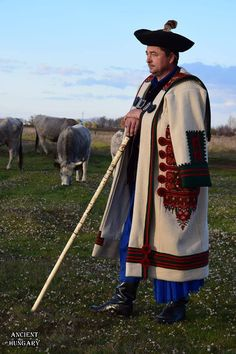 Popular Art, Arte Popular, Hungary History, Folk Clothing, Tribal Dress, Folk Dance, Wedding Costumes, Folk Costume, Festival Wear