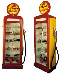 Toy Car Storage, Garage Storage, Small Display Cases, Pompe A Essence, Metal Shaping, Vintage Gas Pumps, Backyard Pavilion, Man Cave Garage, Displaying Collections