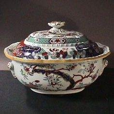 ca.1855 Hand Painted Japan Imari Mason's Patent Ironstone large Tureen & Cover Japan / Japanese Antiques : More At FOSTERGINGER @ Pinterest ⚫️