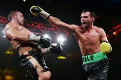 Daniel Geale throws a punch at Jarrod Fletcher during their middelweight title bout at Hordern Pavilion in Sydney, Australia Pictures Of The Week, Cool Pictures, Matt King, Award Winning Photography, Sydney Australia, Pavilion, Punch, History, Day