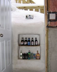 Snow Fridge, Valdez, AK, Grab a cold one. Talk about making the best out of a bad situation lol! **- We could def do this in lol** Georg Christoph Lichtenberg, Canadian Beer, Canadian Humour, Canadian Winter, Beer Fridge, Meanwhile In, Just For Laughs, Laugh Out Loud, The Funny
