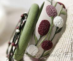 """Купить Комплект браслетов """"Sanguisorba"""" - летний, зелёный, белый, бордовый, травы, цветы, цветочный"""