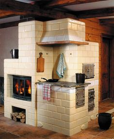Home Rocket, Cordwood Homes, Earth Bag Homes, Cooking Stove, Architecture Design, Kitchen Stove, Rocket Stoves, Four, Rustic Kitchen