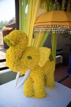 """Amaraay : The Event Diaries """"Here we have awesome pictures for different wedding themes! Wedding Hall Decorations, Engagement Decorations, Backdrop Decorations, Festival Decorations, Wedding Themes, Indian Wedding Photos, Indian Wedding Planning, Flower Arrangements, Elephant Crafts"""