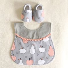 Apple and Pear Bib / Shoes Handmade by BubsCorner on Etsy