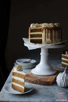 Zdradzam Wam mój ulubiony przepis na tort dyniowy – najlepszy jaki jedliście! Tort jest lekki, delikatny, nie za słodki. Akrem… boski! W połączeniu z korzennym karmelem smakuje cudownie. Zdecydowanie najlepszy dyniowy tort jakiego kiedykolwiek próbowałam, żałuję, że to nie mój przepis Sezon dyniowy jeszcze się nie skończył, upieczcie go koniecznie – tym bardziej, że do […]