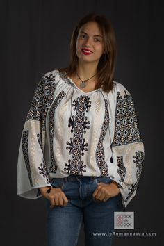 S & M sizes embroidered peasant top Romanian blouse brodee roumaine folk costume of Romania vyshyvanka dress hippie blouses bohemian boho ie Bohemian Blouses, Bohemian Tops, Bohemian Style, Peasant Blouse, Blouse Dress, Folk Embroidery, Embroidery Ideas, Hippie Dresses, Beautiful Blouses