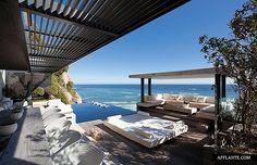 Stunning Seaside Villa 'Victoria 73′ // SAOTA, Antoni Associates   Afflante.com