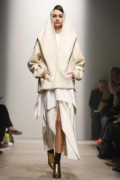 Maison Rabih Kayrouz Ready To Wear Fall Winter 2014 Paris - NOWFASHION