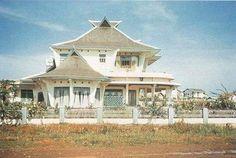 Example of the architecture in the 'kota satelit' Kebayoran Baru, Jakarta, 1950-ies