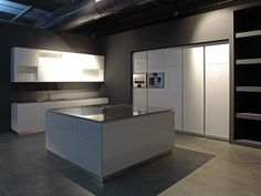Cucina con isola FLY - RIFRA
