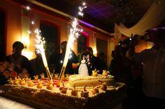 #Hochzeitstorte, schick präsentiert