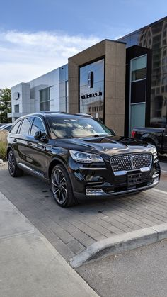 2020 Lincoln Aviator front right wallpaper in high resolution for mobile Smart Car Accessories, Amg Car, Lincoln Aviator, Classic Cars British, Camaro Car, Lux Cars, Ford Excursion, Ford Expedition, Luxury Suv