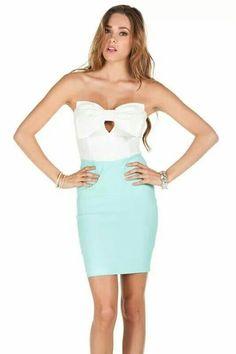Vestido corto menta moño blanco