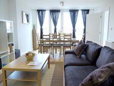 1057 GBP  3 double bedrooms / 1 double sofabed  76sqm    ook bij: http://www.londonbridgeapartments.com/Europe/UK/London/Apartments/Detail/22869  en daar goedkoper