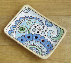 http://oliva.co.ua/ Материал: глина, глазури. Размер 115х85мм. Покрытие глянец. Глазуровка с одной стороны