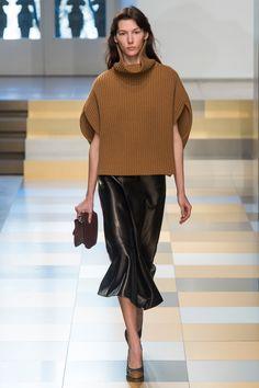 Jil Sander Fall 2017 Ready-to-Wear Fashion Show Collection