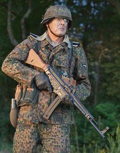 GSG Sturmgewehr 44 in World War Classic Reborn as Fun Plinker Anime Military, Military Guns, Military Art, Military History, Ww2 Uniforms, German Uniforms, Military Uniforms, German Soldiers Ww2, German Army