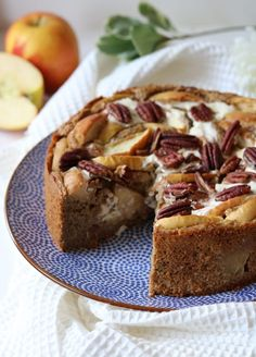 Healthy apple cake with a fresh cheesecake filling - Oh My Pie! Healthy Apple Cake, Healthy Cake Recipes, Healthy Sweets, Healthy Baking, Baking Recipes, Sweet Recipes, Köstliche Desserts, Delicious Desserts, Dessert Recipes
