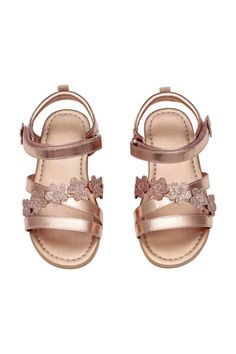 Strappy sandals in imitation leather with a metallic finish decorated with glittery floral appliqués, with a hook and loop strap around the ankle. Strappy Sandals, Gladiator Sandals, H&m Fashion, Fashion Clothes, Wide Width Shoes, Daddys Little Girls, Bronze, Kids Sandals, Toddler Shoes