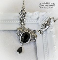 #noirromantiquejewelryandaccessories #noirromantique #jewelry #accessories jewelry #althemy #handmade #unique #goth #gothic #fantasy #luxurious #luxury #oneofakind #collaborations #models #inspiration #necklace #earring #bracelet #siren #alternative #elf #geeky #geek #Chocler #Brooch noirromantique.althemy.com