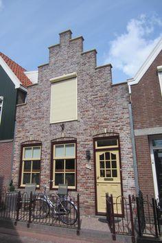 Volendam, typical houses