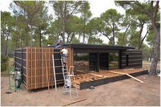 Construction d'une Maison POP-Up House Prefabricated Houses, Prefab Homes, Casa Pop, Studio Floor Plans, Green House Design, Passive House, Architect Design, Tiny House, Architecture