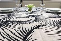 Tovaglia in lino stampato Black & White Collection. Designed by Tweak