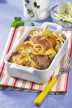 Costiţe de miel şi cartofi la cuptor | Retete culinare - Romanesti si din Bucataria internationala