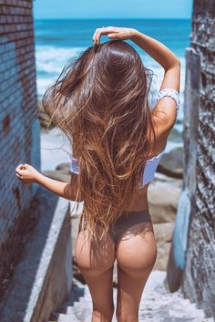 It's all about the hair - Your #1 visual hair blog.
