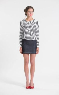 Inspired by seafaring knots and bow waves, our Bowline Sweater offers structure and casual wear rolled into one. The unique pleated front is a show-stopper and