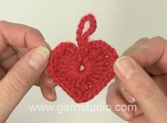Garnstudio Drops design's Videos on Vimeo Cute Crochet, Crochet Crafts, Crochet Projects, Sewing Projects, Drops Karisma, Garnstudio Drops, Drops Design, Pattern Design, Free Pattern